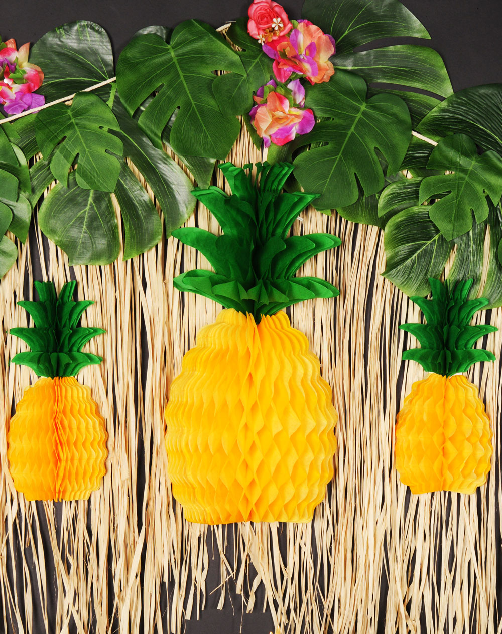 Palm Leaves & Pineapples Decoration