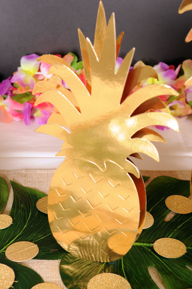 Palm Leaves & Pineapples Gold Pineapples