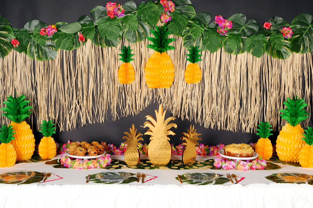 Palm Leaves & Pineapples Party