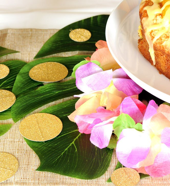 Palm Leaves & Pineapples Table Runner