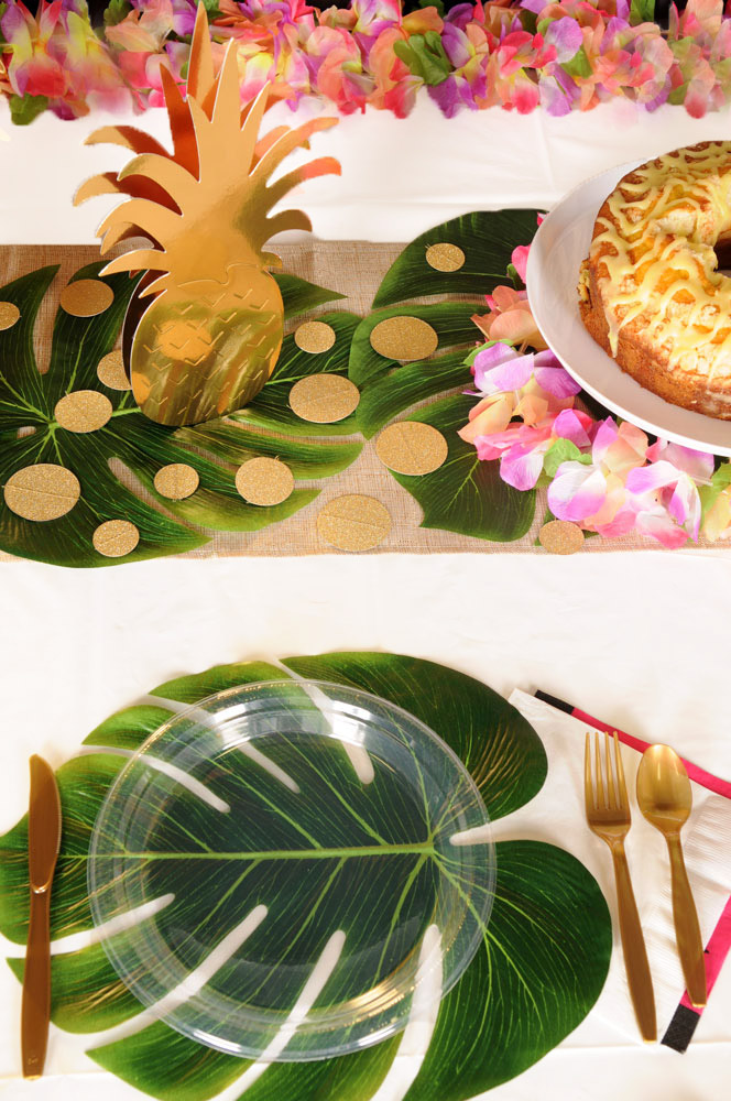 Palm Leaves & Pineapples Table Setting
