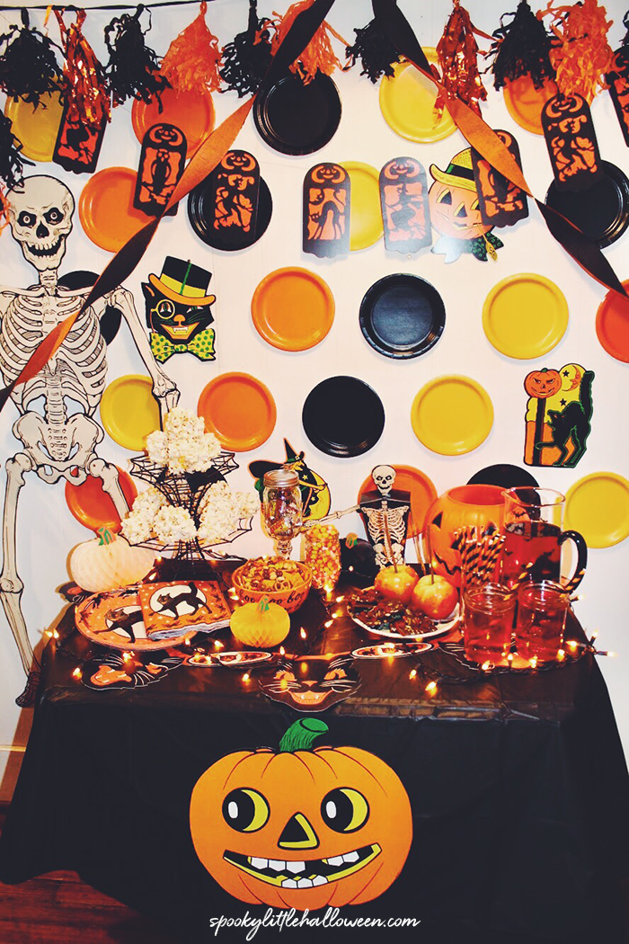 vintage-halloween-party35
