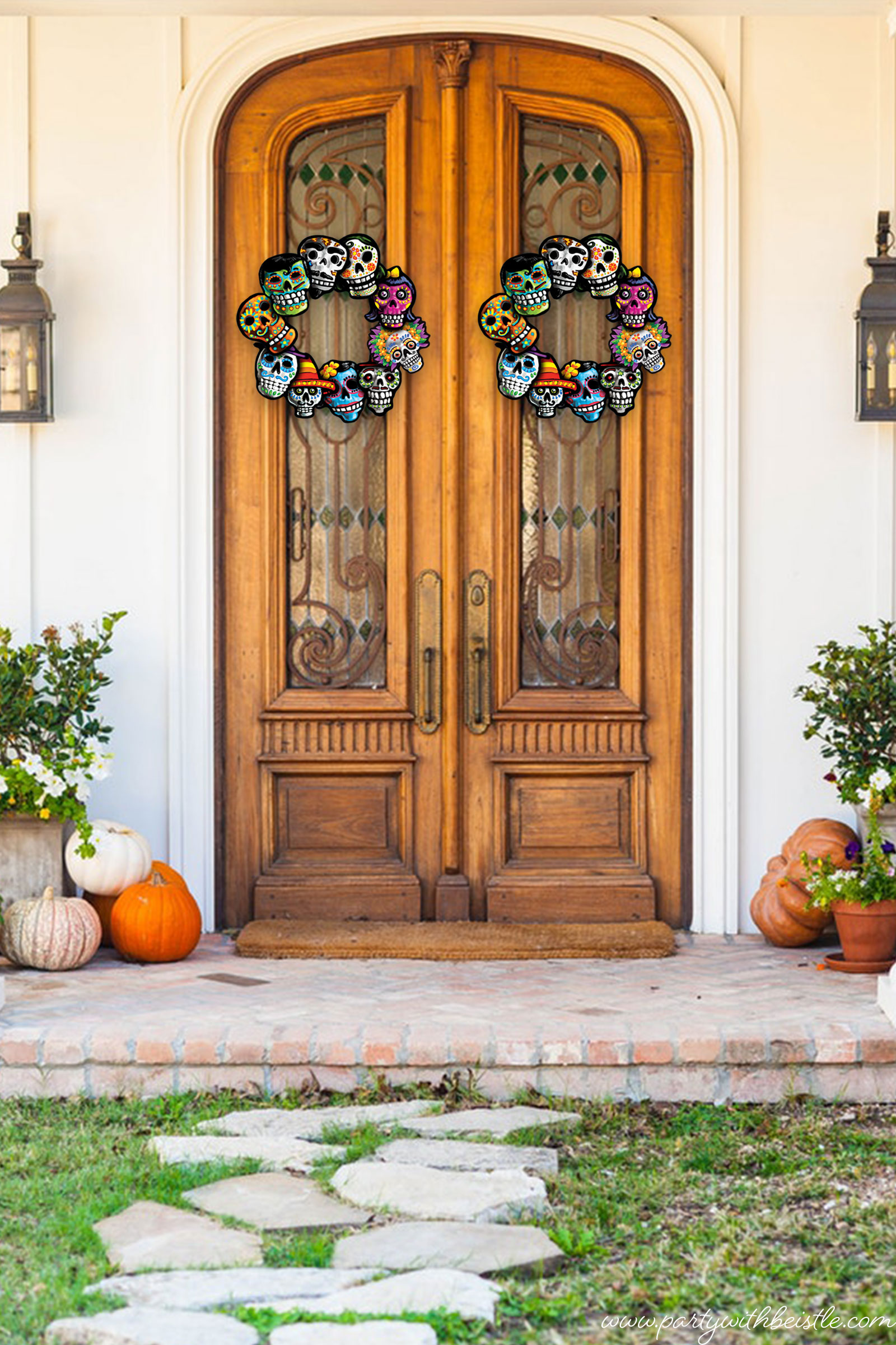 Mini-Cutout-Wreath-On-Door