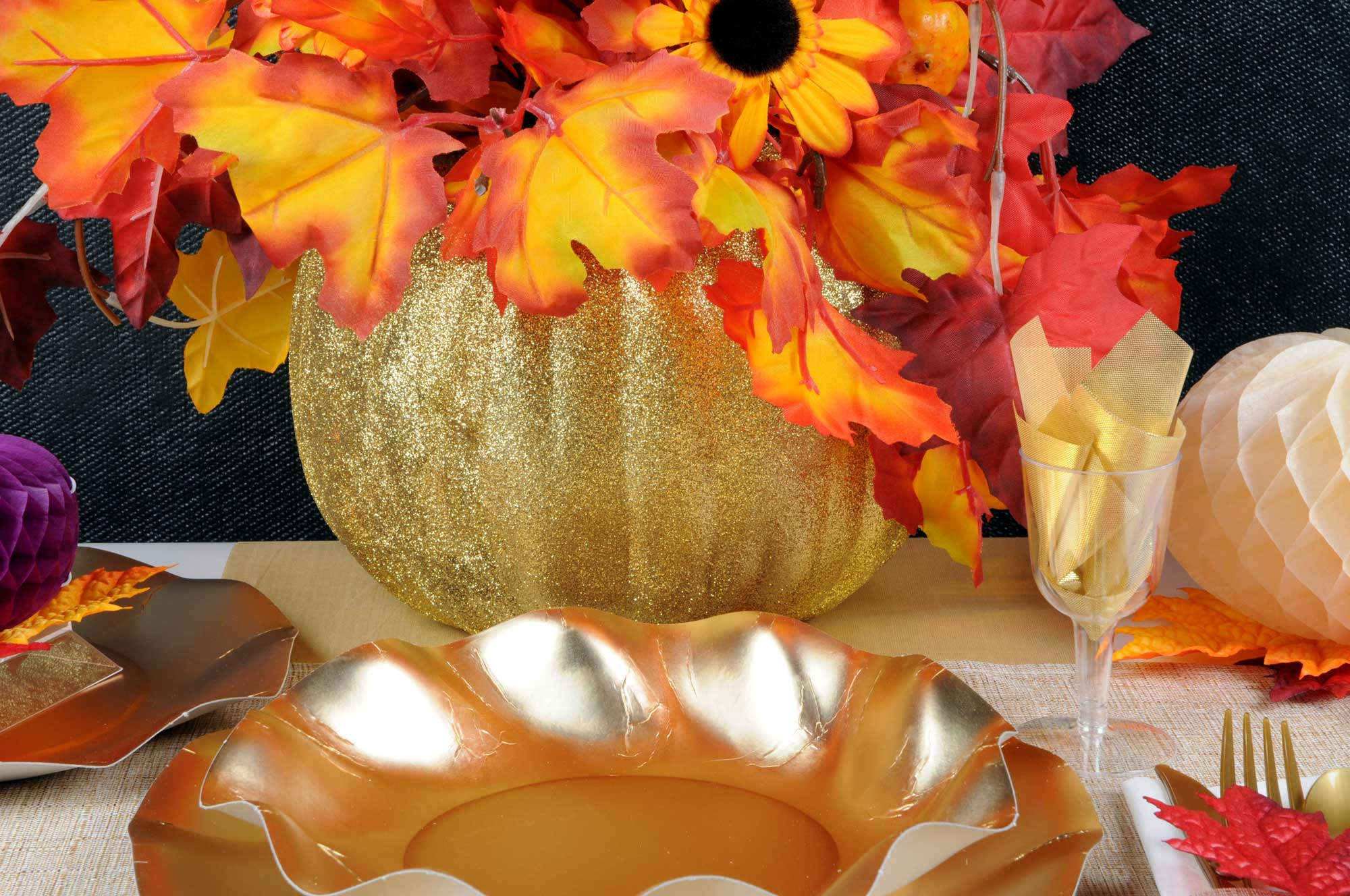 Thanksgiving Table Setting Gold Glitter Centerpiece